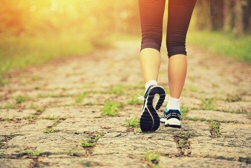 Pige søger motionspartnere