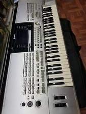 Keyboard spiller søger musikere