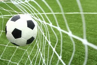 Søger fodbold og makker
