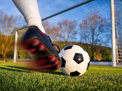 Fodboldspillere søges